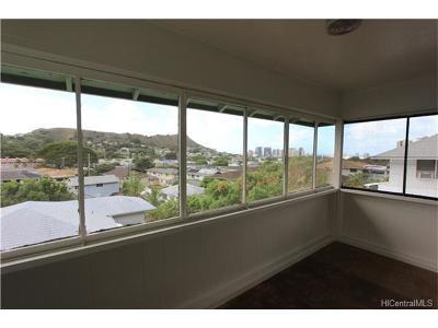 Honolulu Single Family Home For Sale: 2331 Kaola Way