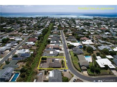 Honolulu Single Family Home For Sale: 5365 Oio Drive