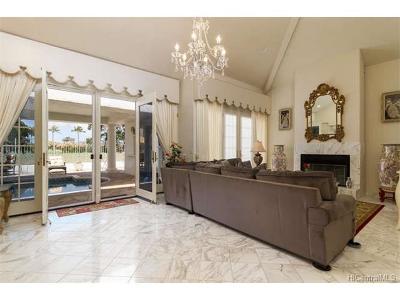Honolulu Single Family Home For Sale: 1432 Ala Leie Place