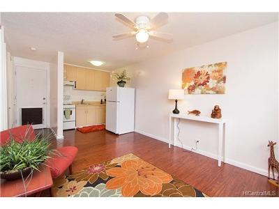 Honolulu County Condo/Townhouse For Sale: 909 Kahuna Lane #206