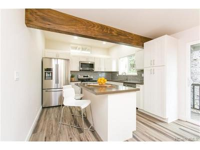 Honolulu Single Family Home For Sale: 1823 10th Avenue #B
