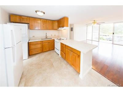 Mililani Condo/Townhouse In Escrow Showing: 95-2055 Waikalani Place #B202