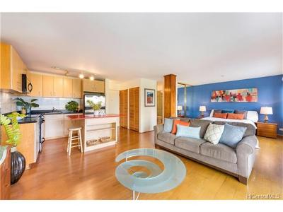 Honolulu Condo/Townhouse In Escrow Showing: 2140 Kuhio Avenue #608