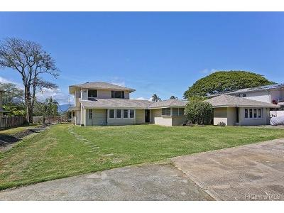 Kaneohe Single Family Home In Escrow Showing: 44-511 Kaneohe Bay Drive