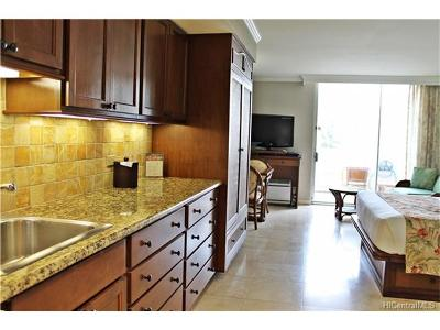 Hawaii County, Honolulu County Condo/Townhouse For Sale: 2045 Kalakaua Avenue #102
