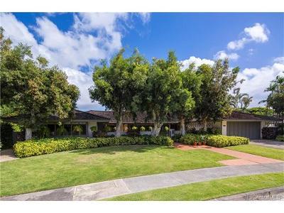 Honolulu Single Family Home For Sale: 1121 Kaimoku Place