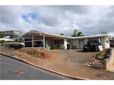 Pearl City Single Family Home In Escrow Showing