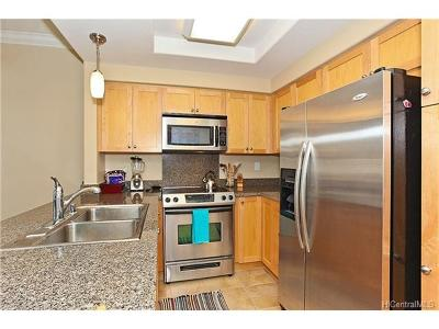 kapolei Condo/Townhouse In Escrow Showing: 92-1522 Aliinui Drive #2303