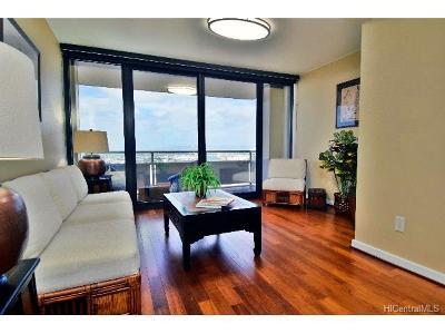 Honolulu Condo/Townhouse For Sale: 600 Queen Street #2708