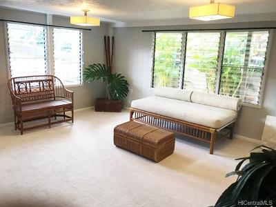 Aiea Single Family Home In Escrow Showing: 99-676 Kaulainahee Place