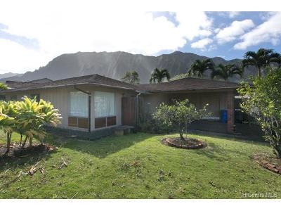 Kaneohe Single Family Home In Escrow Showing: 47-472 Hui Io Street