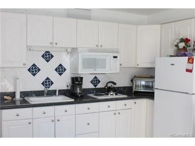Condo/Townhouse For Sale: 2440 Kuhio Avenue #803