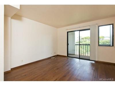 Aiea Condo/Townhouse In Escrow Showing: 98-640 Moanalua Loop #2023