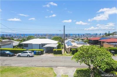 Honolulu Single Family Home In Escrow Showing: 3012 Herman Street