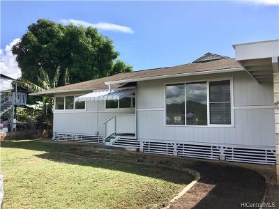 Aiea Single Family Home In Escrow Showing: 98-221 Hekaha Street