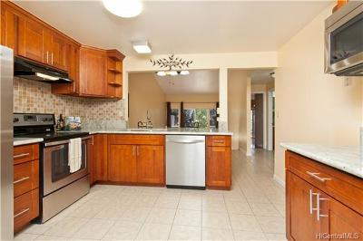 Mililani Condo/Townhouse In Escrow Showing: 94-1095 Anania Circle #8
