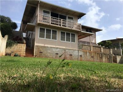 Aiea Single Family Home In Escrow Showing: 99-621 Iwaiwa Street