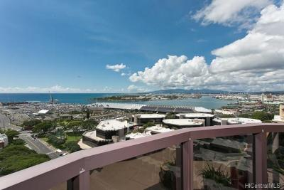 Condo/Townhouse In Escrow Showing: 425 South Street #2003