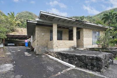 Honolulu Single Family Home In Escrow Showing: 3048 Holua Place