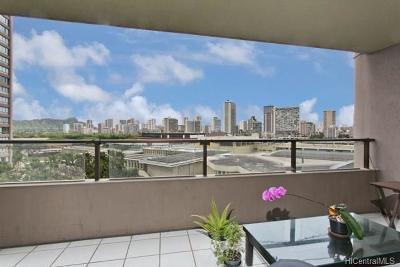 Honolulu Condo/Townhouse For Sale: 581 Kamoku Street #702