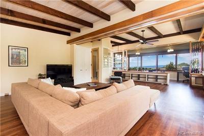 Honolulu Single Family Home For Sale: 3911 Nioi Place