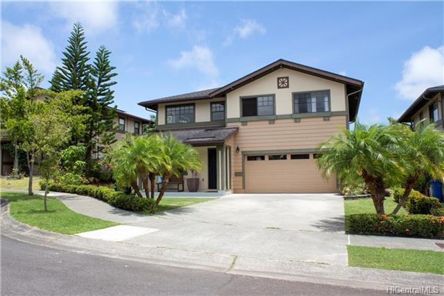 4 bed / 2 full, 1 partial baths Home in Mililani for $949,000