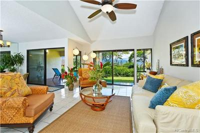 Kailua  Condo/Townhouse In Escrow Showing: 391c Kaelepulu Drive #1403