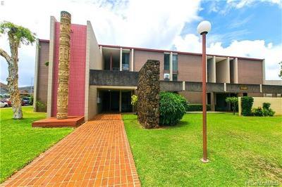 Honolulu HI Condo/Townhouse For Sale: $450,000