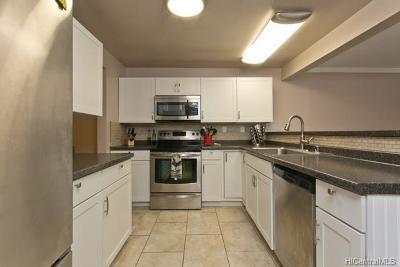 Mililani Condo/Townhouse For Sale: 95-694 Kipapa Drive #25