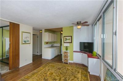 Honolulu Condo/Townhouse For Sale: 2415 Ala Wai Boulevard #607
