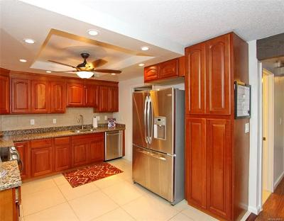 Kaneohe Condo/Townhouse In Escrow Showing: 46-318 Haiku Road #64