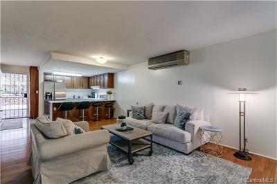 Honolulu County Condo/Townhouse For Sale: 2939 E Manoa Road #B2