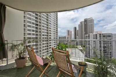 Honolulu Condo/Townhouse For Sale: 1717 Ala Wai Boulevard #1408