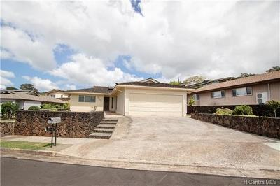 Aiea Single Family Home In Escrow Showing: 98-2016 Kipikua Street