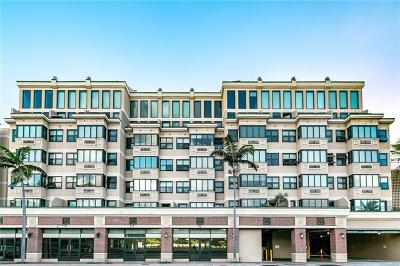 Condo/Townhouse In Escrow Showing: 545 Queen Street #332