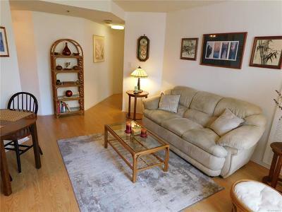 Honolulu HI Condo/Townhouse For Sale: $425,000