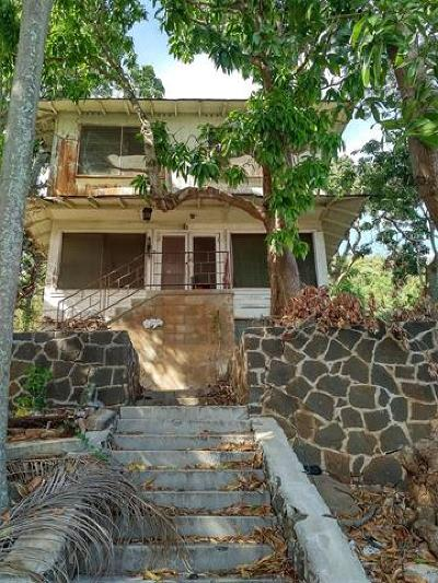 Honolulu Single Family Home For Sale: 2364 Makanani Drive