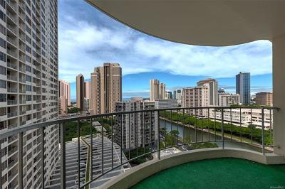 Honolulu County Condo/Townhouse For Sale: 1717 Ala Wai Boulevard #1810