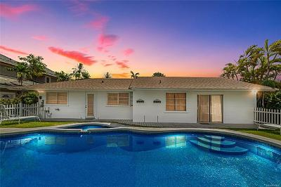 Single Family Home For Sale: 4817 Aukai Avenue