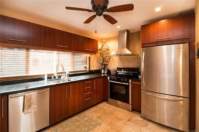 Condo/Townhouse In Escrow Showing: 68-172 Au Street #B3