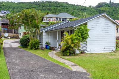 Single Family Home In Escrow Showing: 2618 Oahu Avenue