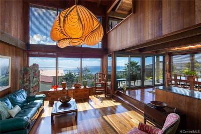 Honolulu Single Family Home For Sale: 1622 Ihiloa Loop