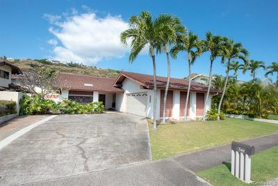 Honolulu Single Family Home For Sale: 7162 Makaa Street