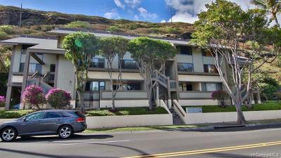 Honolulu County Condo/Townhouse For Sale: 300 Kawaihae Street #F