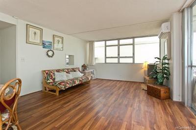 Honolulu County Condo/Townhouse For Sale: 2500 Kalakaua Avenue #404