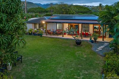 Single Family Home For Sale: 988 Kealaolu Avenue