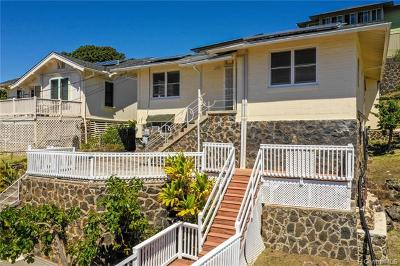 Honolulu Single Family Home For Sale: 1627 Kealia Drive