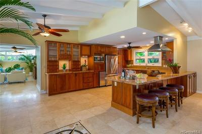 Kailua Single Family Home For Sale: 720 Nunu Street