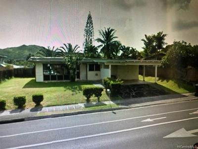 Single Family Home For Sale: 377 Keolu Drive