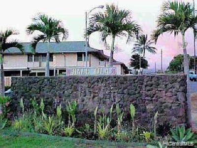 Central Oahu, Diamond Head, Ewa Plain, Hawaii Kai, Honolulu County, Kailua, Kaneohe, Leeward Coast, Makakilo, Metro Oahu, N. Kona, North Shore, Pearl City, Waipahu Condo/Townhouse For Sale: 1132 Hoola Place #4E